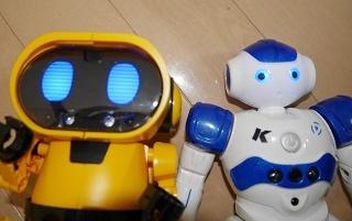 ロボットおもちゃ2体の性能比較