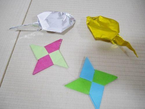 折り紙のおたまじゃくしと手裏剣