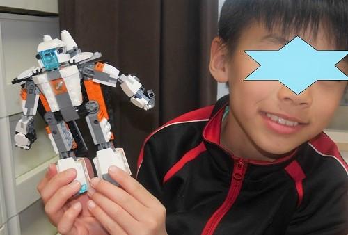 スペースシャトルにもロボットにもなるレゴクリエイター
