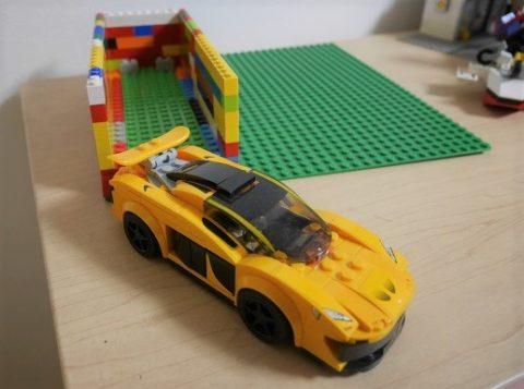 レゴのランボルギーニの駐車場