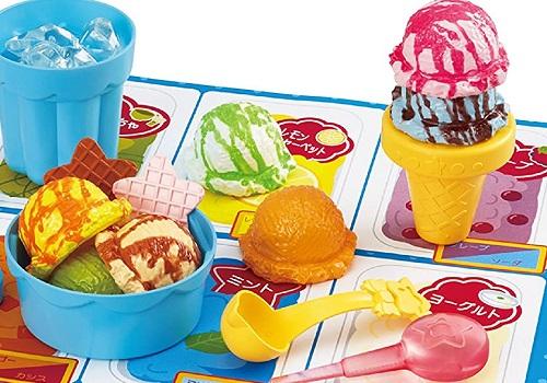 まほうのアイスクリームやさんのアイスの色