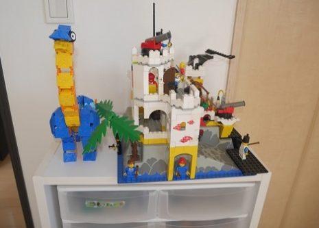 ラキューの恐竜とレゴのお城