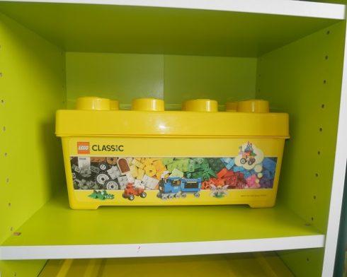 三段ボックスの幅におさまるレゴ