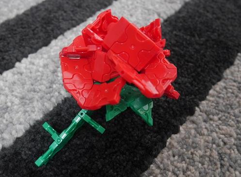 ラキューでバラの花