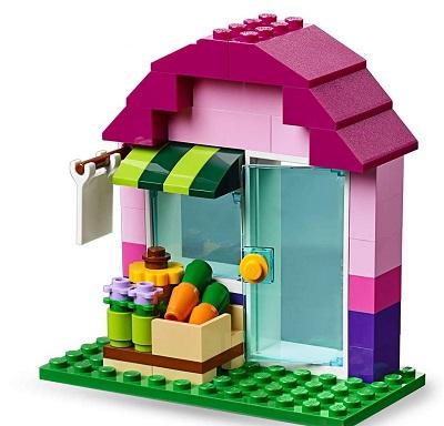 レゴクラシックできれいな色のお家