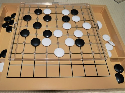 スタディ囲碁の碁石の盤面