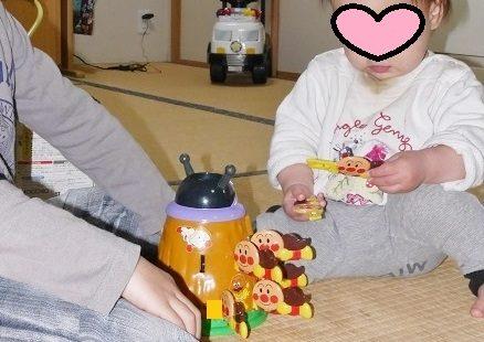 アンパンマンのおもちゃ、ドキドキあんぱんちのおもちゃで遊ぶ、5歳と1歳の兄弟