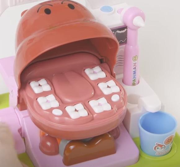アンパンマンの歯医者さんごっこ