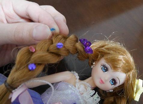 ジュエルアップかれんちゃんの髪からラインストーンを外すとき