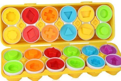 卵の形合わせの知育玩具